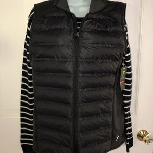 Old Navy Active puffer vest. soft w/side panels